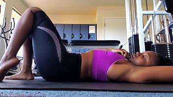 Big Booty Ebony Camgirl Public Gym Masturbation Preview Clip CarlaCain