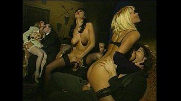 Матюрки в возрасте группой в порно