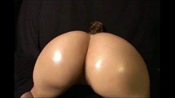 The best white girl twerking  -  Hot white ass shaking