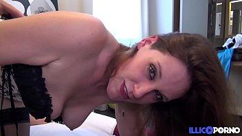 Baisée sous la douche et sodomisée par son mari [Full Video]