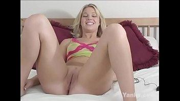 Yanks Blondie  Hollie Stevens Cums