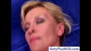 Блондинка со светлой пиздой