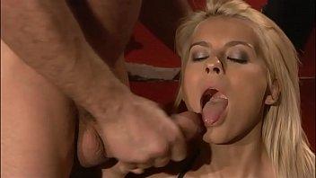 Порно двух сучек в чулках