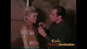 Порно видео рабыня в подвале