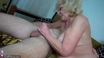 Порно видео с бабулями домашние