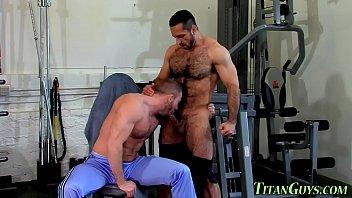 Hombres Fuertesvelludos Gay Musculosos Peludos Y Grandes