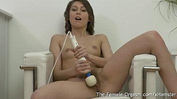 Teen peeing porn