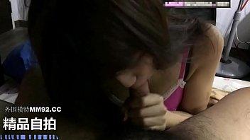 震惊中外娱乐圈!!新加坡国际选美小姐公寓口交性爱视频流出!!