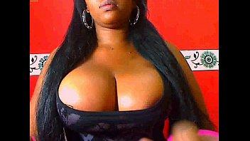 Ebony show Biig tits and big pussy in Webcam