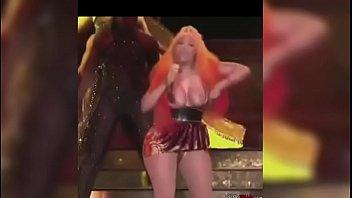 Nicki Minaj 2018 Nipple Slip .....http://hustle.im/XT2Kx