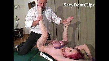 Бдсм со связанной грудью и фистингом онлайн