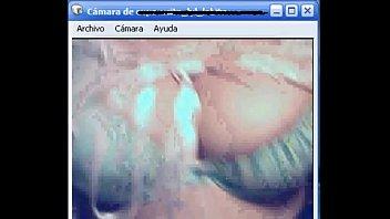 Espectacular MILF exhibiéndose en webcam
