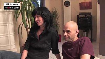 Geile Haubsbesuche 2 Brunette MILF - xxarxx.com