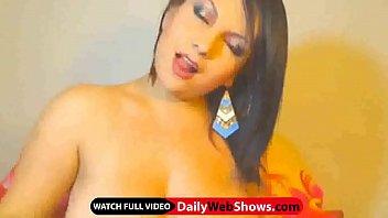 Huge melons cam chick - DailyWebShows.com