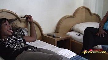 Порно как африканка дрочит