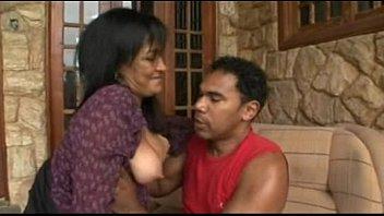 Vídeo de incesto com mãe e filho fazendo anal