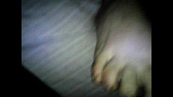 mi mujer y mi lechita en sus pies...
