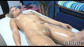Жену трахнул массажист