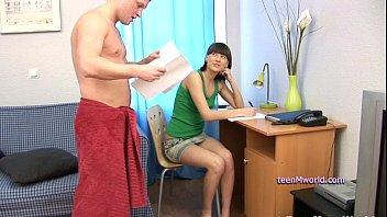 Жена у мужа сперму русское домашка