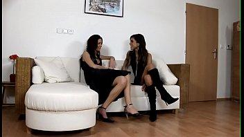 Порно видео лесбиянки групповое