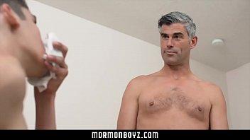 Русский гей отец отымел собственного сына вид