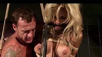 Série de predadores de rua. Prostituta de rua merece cordas e humilhação.  tubo 2019 escândalo sexual mp4 xxx