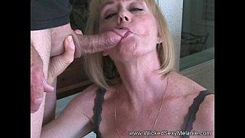Секс смореть онлайн мама и сын