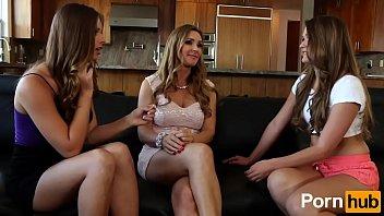 Mulheres safadas viciadas em sexo transando via webcam