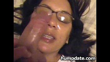 Фото кончил жене на грудь и лицо