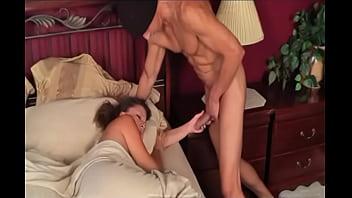 Порно онлайн сын делает маме масаж