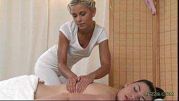 Brunette babe shaved pussy massaged - 69VClub.Com