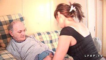 Jolie petite pute francaise sodomisee dans un plan a 3 avec ejac buccale de papy  #1201950