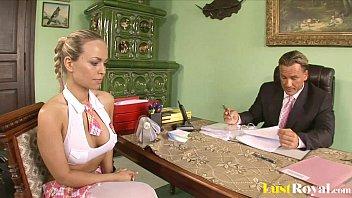 Милый порно мультик с привлекательной блондинкой