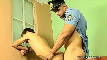 Смотреть гей-порно полицейский и преступник