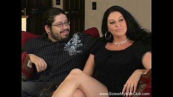 Жена трахается на глазах у мужа смотреть