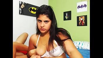 Порно мать кормит грудью и трахается