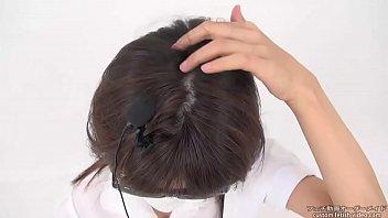 Women rub the hair, sound fetish