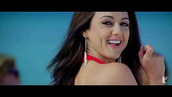Preity Zinta sexy compilation
