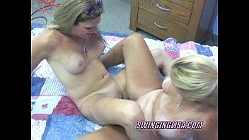 Аниме 3д грудастая лесбиянка с движком
