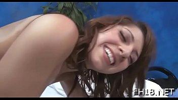 Sugary brunette Lexi Bloom gets cunt fingered