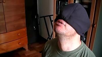 Spitting and Chewing Gum (Simply Disgusting) Vorschaubild