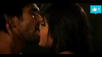 Hot Kajal Raghwani kissing scene must watch