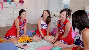 Cheerleaders Jade Nile and Nova Cane Eat Pussy