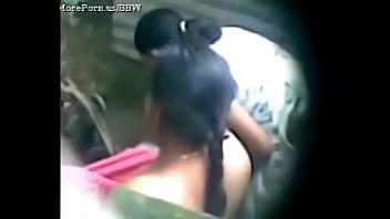 Desi aunty taking a bath - PornTube Desi