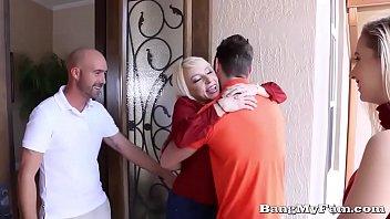Naughty Girlfriend Sierra Nicole Opens Her Wet Cooze For Boyfriends Papa Thumb