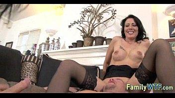 Смотреть порно мать проснулась от члена сына