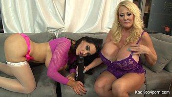 Busty Amy & Kayla show off their sexy bodies - 69VClub.Com