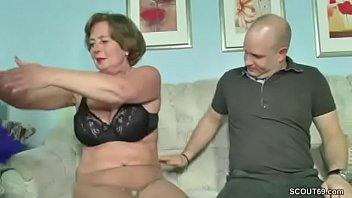 Порно русских мам со своими сыновьями и с другом