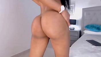 Flexible booty latina Akira masturbates tight pussy and squirts