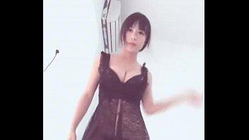 Chinese girl sexy dance
